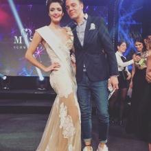"""Wolf-Thomas Karl mit Sarah Laura Peyrel nach ihrer Wahl zur """"Miss Earth Switzerland"""""""